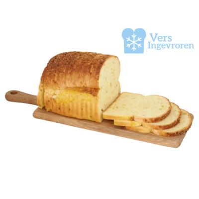Goudeerlijk Gesneden Boeren Maïs Brood Heel (Vers Ingevroren)