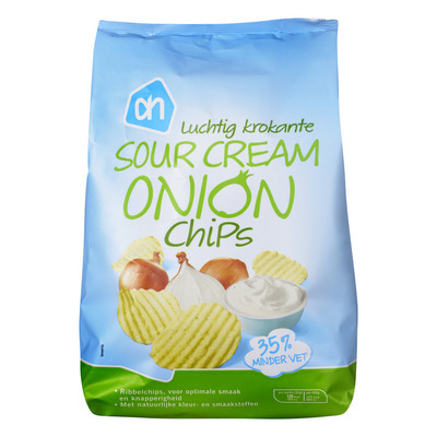 AH Luchtig krokante sour cream onion chips