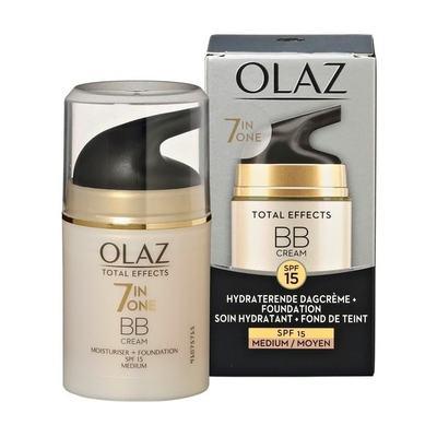 Olaz Total Effects 7in1 BB Cream Dagcrème + Vleugje Foundation voor een Mediu...
